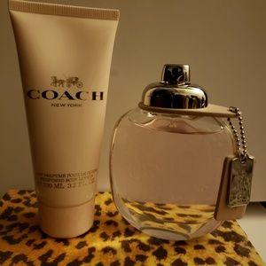 Coach eau de tollette spray 3 oz and lotion set